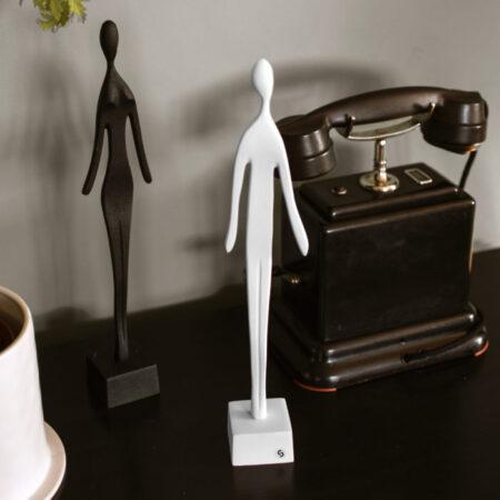 Storefactory sculptuur vrouw wit
